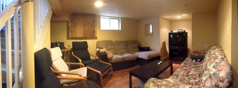 111 Maple St. Apt. B_livingroom